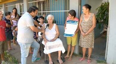 Moradores de Rio Marinho, em Vila Velha, pedem calçamento de rua, no ES - Os moradores só ouvem promessas, desde 2011.