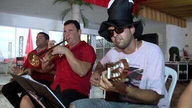 Baile do Vermelho e Preto abre temporada carnavalesca em Maceió - Tradição dos bailes de carnaval está mais viva do que nunca.