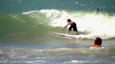 Competição de surfe com garotos agita Paracuru - Garotada entre 8 e 16 anos cai na água neste fim de semana.