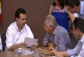 Kassab participa de encontro com prefeitos na região - O ministro das Cidades, Gilberto Kassab, visitou nesta sábado (17) a região. Ele participou de uma reunião com prefeitos em Porto Feliz.