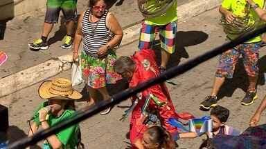 Festival de marchinhas anima São Luiz do Paraitinga, SP - Programação começou neste sábado (17) e esquenta os preparativos para o carnaval.