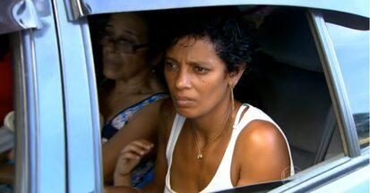 Cinto de segurança é esquecido principalmente por passageiros do banco de trás - Uma pesquisa da Agência de Transporte do Estado de São Paulo revela que quase 70% dos passageiros que viajavam atrás e morreram estavam sem cinto.