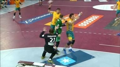 Brasil vence primeira partida no Mundial de handebol e segue vivo na competição - Defensor Tiagus foi destaque na vitória contra Belarus por 34 a 29.