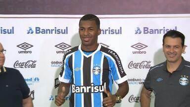 """""""Vou fazer minha parte"""", diz Erazo em apresentação no Grêmio - Jogador falou sobre a importância do Gauchão e rivalidade com o Internacional."""