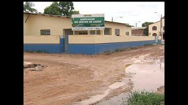 No Mapiri, moradores reclamam da falta de funcionamento da unidade de saúde - Segundo eles, desde que o prédio foi reformado, ano passado, não voltou a funcionar.