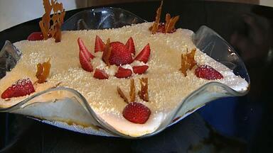Aprenda a fazer sobremesa que mistura frutas e doce - Com o tempo quente, nada melhor que receitas deliciosas e refrescantes.