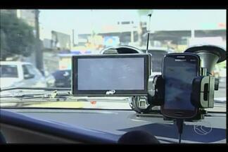 Mudanças no trânsito de Uberaba causam transtornos aos usuários de GPS - Atualização dos equipamentos não acompanham alterações. Motoristas alegam ficar perdidos ao encontrar um destino.