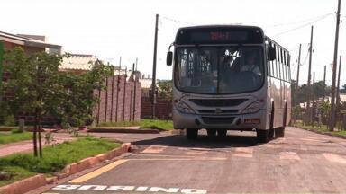 Moradores do Jardim José Richa, em Sarandi, finalmente, têm transporte coletivo - Eles fizeram protestos, reuniões com a prefeitura e a empresa de transporte coletivo para conseguir o direito de ter ônibus no bairro