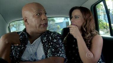 Xana não gosta do futuro pai adotivo de Luciano - Naná acompanha o amigo, que decide ir até a casa do garoto