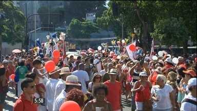 No Dia de São Sebastião, padroeiro do RJ, homenagens renderam missas e procissões - Tudo foi em ritmo de samba, para deixar bem claro que o santo é mesmo carioca.