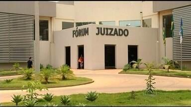Justiça determina soltura de presos em delegacia superlotada, em Planaltina de Goiás - A delegacia tem capacidade para quatro presos, mas era ocupada por 24 pessoas.