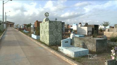 Cemitérios de São Luís estão sem espaços para novas sepulturas - Os cemitérios públicos de São Luís estão sem espaços para novas sepulturas. Quem precisa enterrar um parente está tendo que pedir um túmulo emprestado para a família de algum amigo.