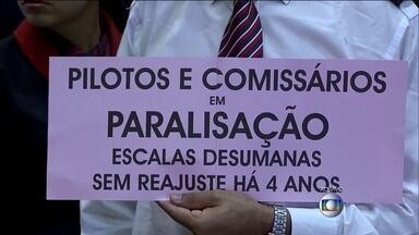 Funcionários de empresas da aviação civil fazem protesto em vários aeroportos do país - Os funcionários fizeram uma paralisação nesta manhã (22) em vários aeroportos do país. Em São Paulo, dos 20 voos programados, apenas cinco decolaram.
