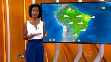 Confira como fica o tempo nesta segunda-feira (26) em todo o país - Durante a tarde, a máxima deve chegar aos 31 em São Paulo, 32 em Vitória e 33 em Porto Alegre. Os termômetros marcam 34 graus no Rio de Janeiro, em Palmas e em Belém.