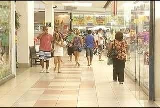 Montes-clarenses lotam os shoppings da cidade nas férias - Espaços são opções para adultos e crianças.