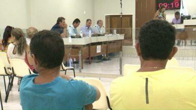 Vereadores de Umuarama votam aumento dos salários deles, do prefeito e dos servidores - Veja o resultado dessa votação e várias outras notícias do Noroeste daqui a pouco, no Paraná TV.