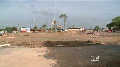 Motoristas se acostumam com intervenção no Anel Viário - Pedestres e motoristas estão se acostumando com as mudanças feitas no trânsito nas imediações da rotatória do Bacanga, em São Luís.