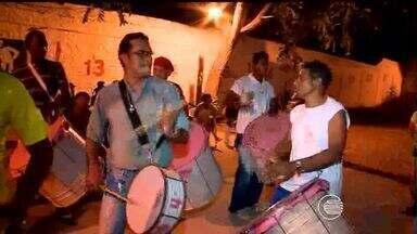 Escolas de Samba de Teresina intensificam ensaios para o Carnaval 2015 - Escolas de Samba de Teresina intensificam ensaios para o Carnaval 2015