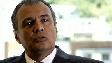 Pedro Barusco detalha atuação de operadores no desvio de dinheiro da Petrobras - Pedro Barusco revelou que João Vaccari não era a única pessoa que operava para o PT. Havia também Zwi Skornicki, representante oficial do estaleiro Keppel Fels, entre 2003 e 2013.