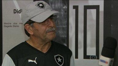 Botafogo faz último treino antes de partida contra o Bangu e time está mantido - René Simões conta com Jobson que ficará na reserva.