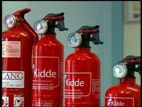 Mesmo com prorrogação de prazo, há falta de extintores no mercado - Lojas de Erechim, RS, aumentaram os pedidos desde janeiro.