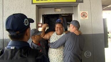 Três pessoas ficaram presas em elevador da estação do Move em Belo Horizonte - Segundo os bombeiros, as três mulheres ficaram presas durante quase uma hora.