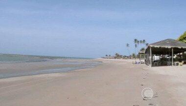 Falta de estrutura e poucas opções de lazer afastam turistas do litoral do Piauí - Falta de estrutura e poucas opções de lazer reduzem número de turistas no litoral do Piauí