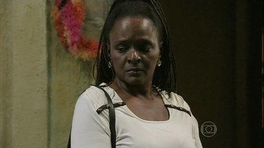 Marilda não encontra Luciano na casa de Xana - Assistente social pede desculpas pelo transtorno