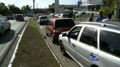 Engavetamento na Avenida Durval de Góes Monteiro não deixa feridos - Repórter Fernanda Lins traz mais informações sobre o assunto.