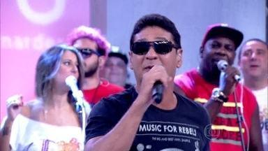 Carrossel de Emoções toca 'Nosso Sonho' - Nos vocais, Bob Rum e MC Leozinho