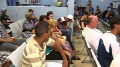 Dengue faz aumentar procura por atendimento médico em Sorocaba - O avanço da dengue em Sorocaba (SP) aumentou a procura por atendimento médico nas Unidades Pré-Hospitalares da cidade. Porém, a população reclama de falta de médicos e, consequentemente, da demora no atendimento.