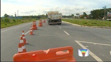 Trecho da rodovia Floriano Rodrigues Pinheiro é liberado - Trânsito na altura do km 4, que fica em Taubaté, tinha sido interditado por causa de um deslizamento de terra na cabeceira da ponte.