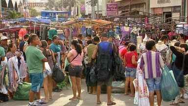 Feira da José Avelino ocorre sem transtornos nesta quinta, em Fortaleza - Comerciantes armaram as barracas conforme autorização da Prefeitura. Na quarta, houve confusão entre polícia e feirantes.