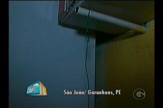 Menino de quatro anos morre após levar choque elétrico em uma geladeira - A criança morava no município de São João, no agreste do estado.