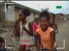 Jovens de Passo Fundo,RS realizam trabalho social em Cabo Verde, na África - O trabalho voluntário foi feito por 29 jovens em mais de duas semanas