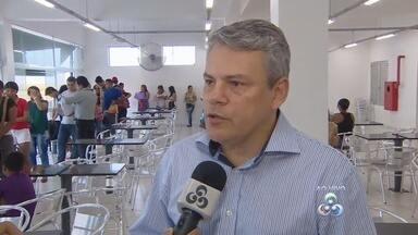 PACs funcionam em galerias populares no Centro de Manaus - Vários serviços, como retirada de documentos, são oferecidos; galerias também abrigam vendedores de vários produtos.