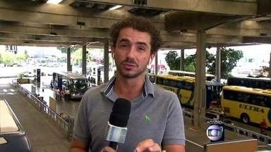 Felipe Andreoli foi até a rodoviária saber o queo pessoal espera do carnaval - Passageiros em viagem para carnaval movimentam terminais de ônibus em SP