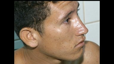 Em Santarém, jovem é preso com 19 papelotes de droga e um punhal - Prisão por tráfico de drogas aconteceu no bairro Vitória Régia. No bairro Esperança, um jovem foi preso por roubo.