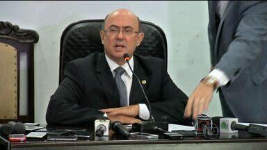Ex-deputado José Riva está preso no Centro de Custódia de Cuiabá - Ex-deputado José Riva continua preso no Centro de Custódia de Cuiabá. Os advogados de defesa devem analisar o processo nesta segunda-feira para decidir que medidas tomar.