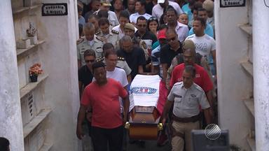 Suspeitos por morte de PM são presos em Salvador - PM trabalhava no posto policial do Hospital Mario Leal, em IAPI. Ele foi baleado por dois homens, que fugiram em seguida.