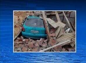 Tempestade causa estragos em Jataúba, no Agreste - Segundo moradores, vários telhados e paredes de casas foram destruídos com a força do vento.