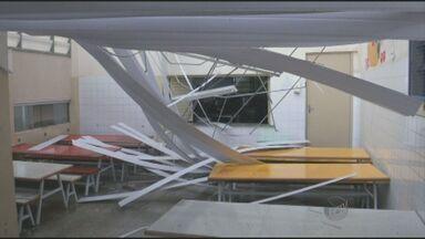 Chuva causa estragos e suspensão de aulas em creche de Piracicaba - O telhado não suportou o volume de água. Salas de aula ficaram alagadas e as crianças tiveram que ser dispensadas. Ninguém ficou ferido.