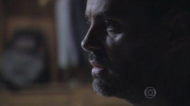 Império - Capítulo de sábado, dia 28/02/2015, na íntegra - Maurílio descobre encontro misterioso de Zé Alfredo