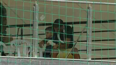 Pacotão do Galo: Leonardo Silva assiste jogo com a mão quebrada no Independência - Pacotão do Galo: Leonardo Silva assiste jogo com a mão quebrada no Independência