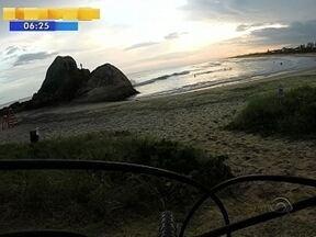 'Bike Repórter' percorre a Praia do Ervino em São Francisco do Sul - 'Bike Repórter' percorre a Praia do Ervino em São Francisco do Sul