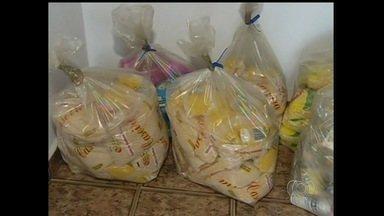 Supermercados são notificados por expor produtos vencidos, em Catalão - Os estabelecimentos também foram alertados a não cobrarem, no caixa, valores diferentes dos afixados nas prateleiras.