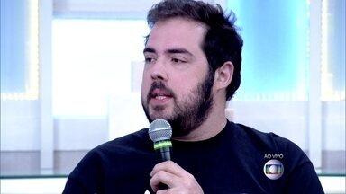 Fernando Ceylão lembra de episódio que fã o atacou no palco - Sthefany Brito afirma que nunca sofreu nada disso