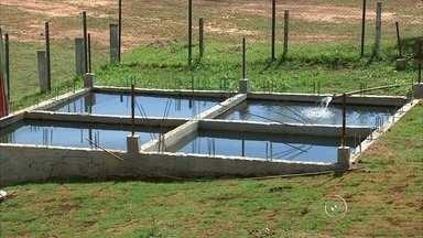 Indústrias terão que diminuir em 30% captação de água na região de Jundiaí - Toda vez que os rios estiverem com volume muito abaixo do normal, as indústrias da região de Jundiaí (SP) terão que diminuir em 30% a captação. Isso funciona para as empresas que utilizam água das bacias dos rios Piracicaba, Capiravi e Jundiaí. Na região, há mais de 5 milhões de pessoas, em 76 cidades do interior paulista