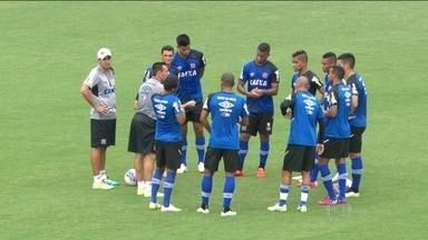 Vasco enfrenta o Resende buscando a liderança do Cariocão - Bernardo volta para o banco no próximo jogo e Doriva faz alterações na equipe.