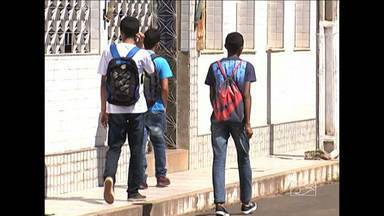 Em Codó, escolas da rede estadual estão sem professor em algumas discplinas - Mesmo assim, os estudantes receberam notas, sem terem passado por avaliação, já que não tiveram aulas.